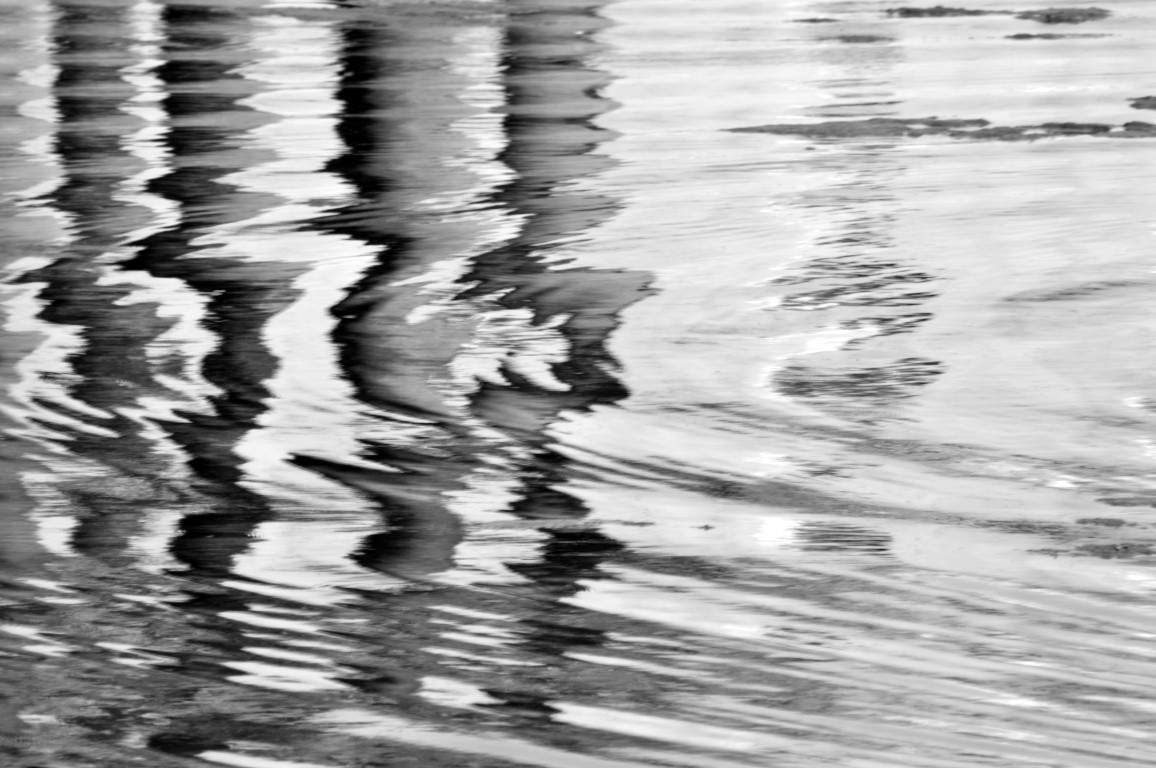 Rythm in water